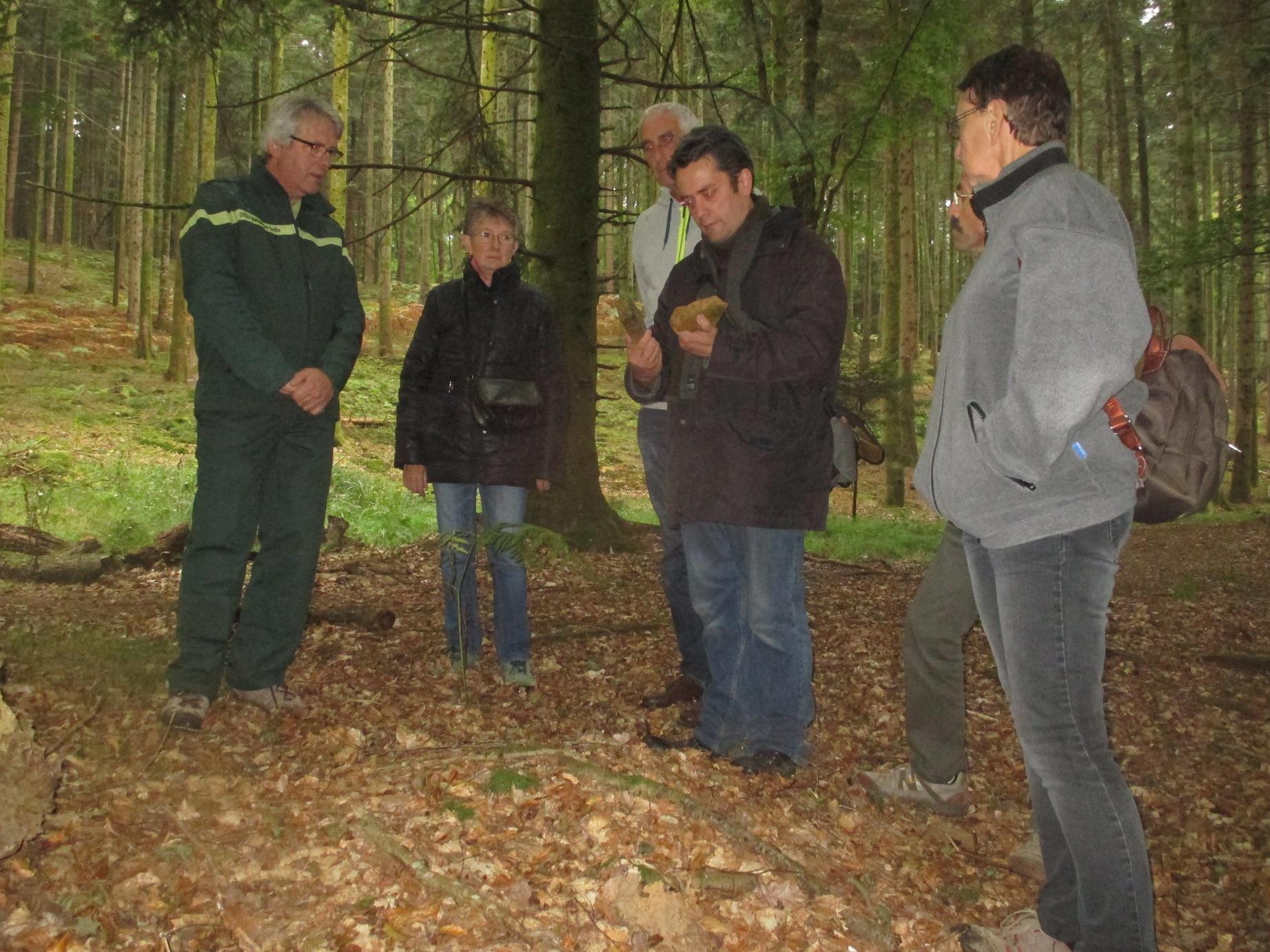 Fabrice Morand explique la réserve archéologique
