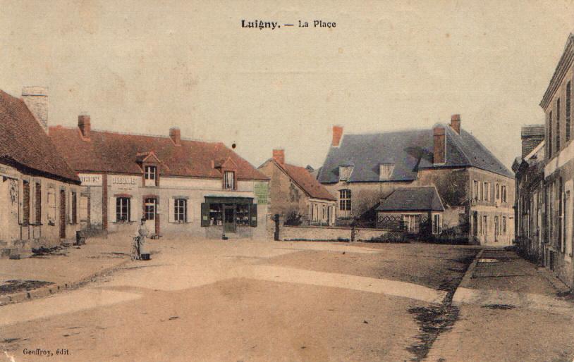 Centre du bourg de Luigny au début du XXe siècle