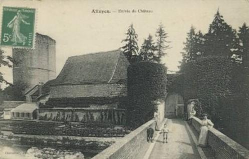 Chateau d'Alluyes (CPA, Perche-Gouet.net)
