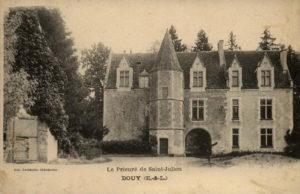Le prieuré de Douy (CPA, Perche-Gouet.net)